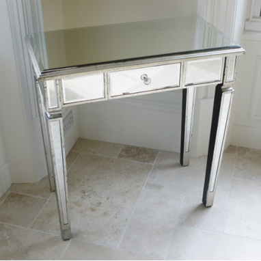 Provincial range: Mirrored console/dressing table.
