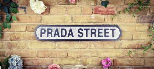 Retro wall plaque: Prada street.