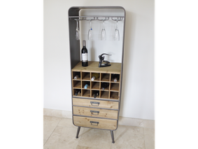 Loft Retro Industrial wine cabinet.