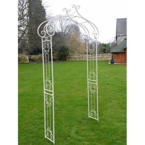 Garden arch in white. Great lower price.