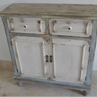 Provincial range : Wooden cupboard unit.
