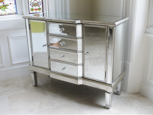 Provincial range: Mirrored sideboard.