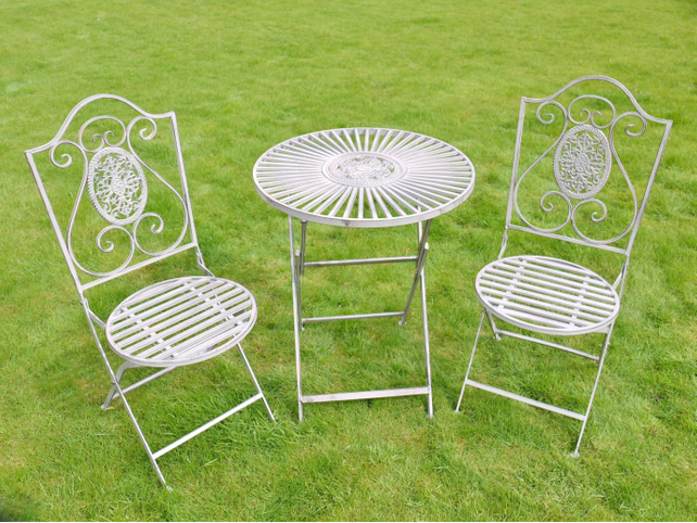 ​Garden bistro set in Grey.