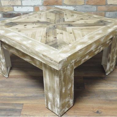 Provincial range : Wooden coffee table.